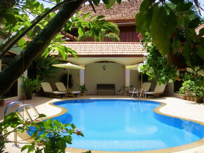Coconut Paradise Holiday Villas